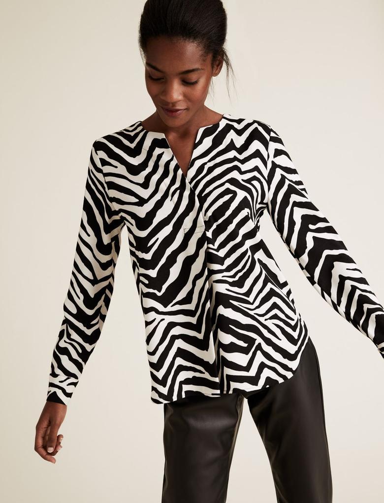Kadın Siyah Zebra Desenli V Yaka Bluz
