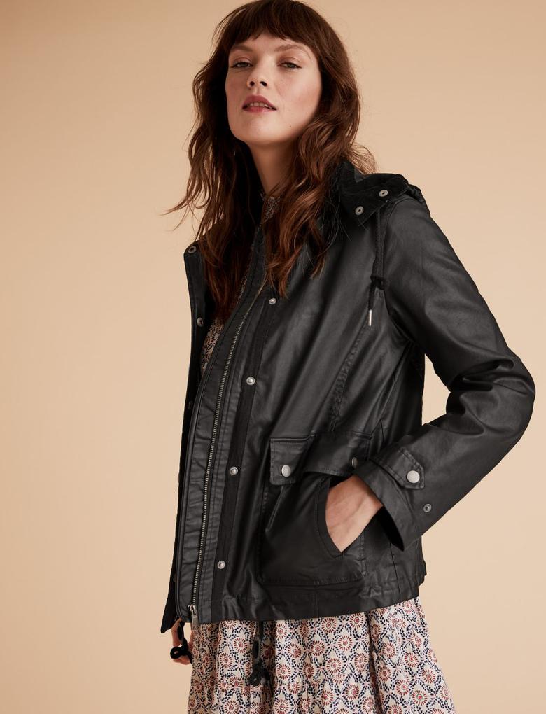 Siyah Çıkartılabilir Kapüşonlu Ceket