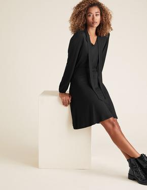 Kadın Siyah Yaka Detaylı Jarse Elbise