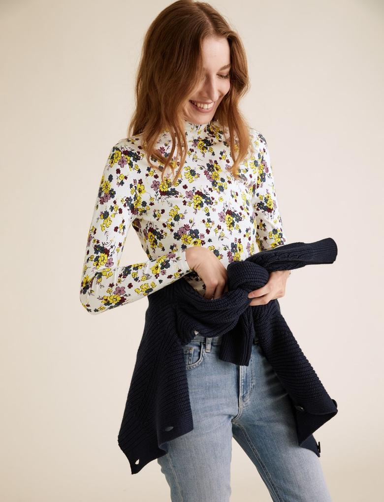 Kadın Bej Çiçek Desenli Dik Yakalı Bluz