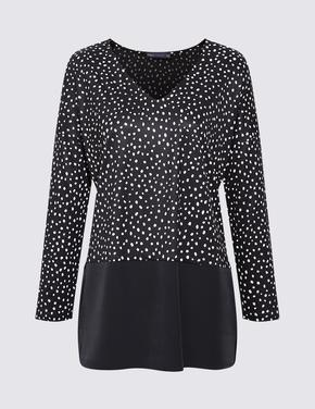 Kadın Siyah Desenli V Yaka Bluz