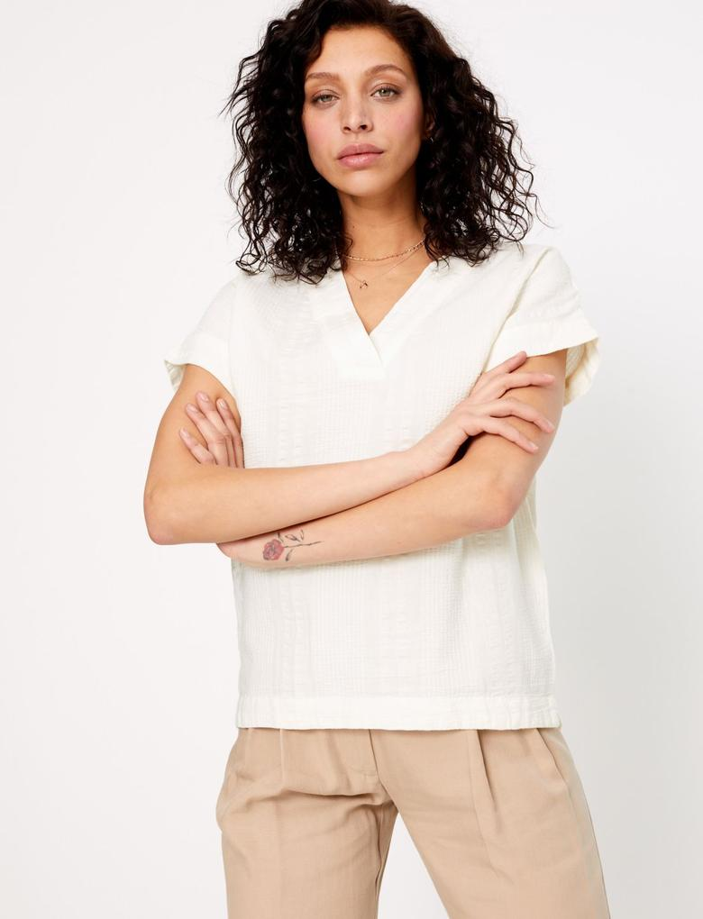 Kadın Krem Dokulu V Yaka T-Shirt