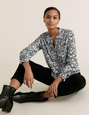 Kadın Siyah Çiçek Desenli V Yaka Bluz