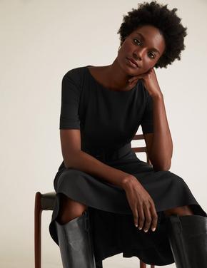 Kadın Siyah Kemerli Kısa Kollu Elbise