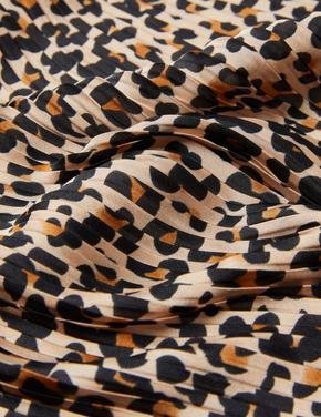 Kadın Kahverengi Desenli Pilise Fular