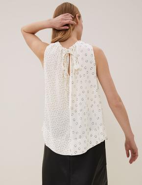 Kadın Krem Desenli Kolsuz Bluz