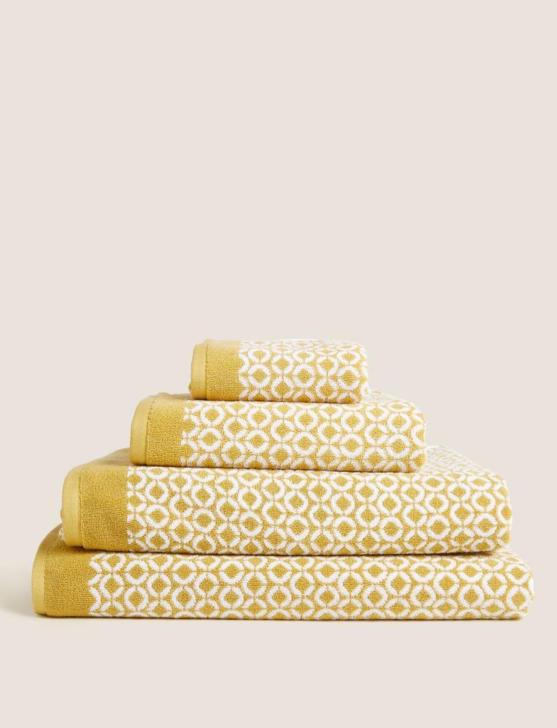 Ev Sarı Geometrik Desenli Havlu