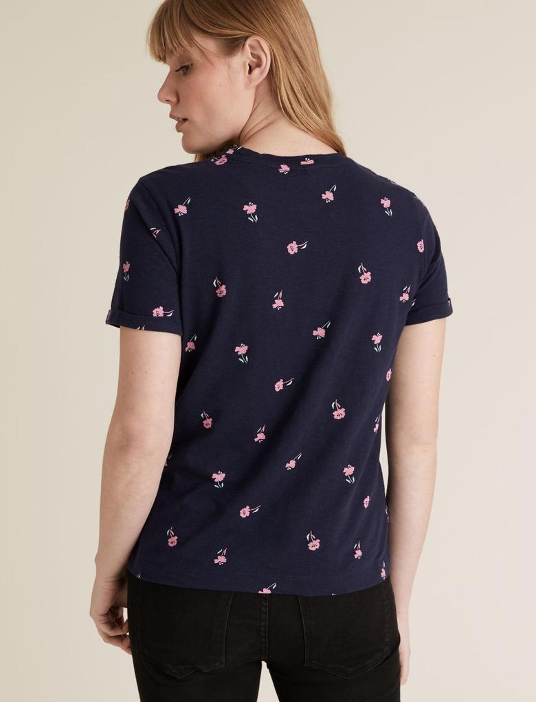 Kadın Lacivert Çiçek Desenli T-Shirt