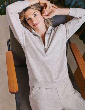 Kadın Bej Pamuklu Yüksek Yaka Fermuarlı Sweatshirt