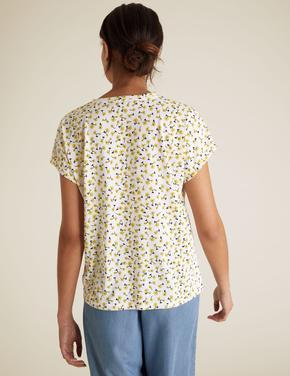 Kadın Beyaz Çiçek Desenli T-Shirt