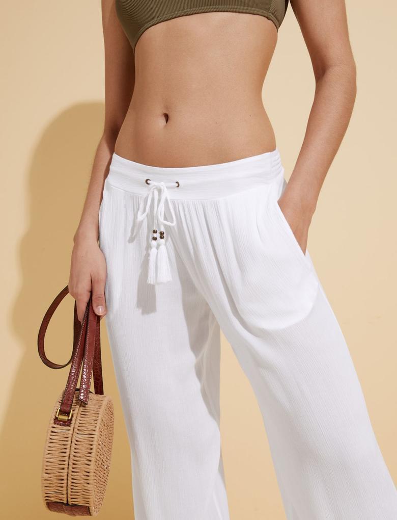 Kadın Beyaz Bağcıklı Plaj Pantolonu