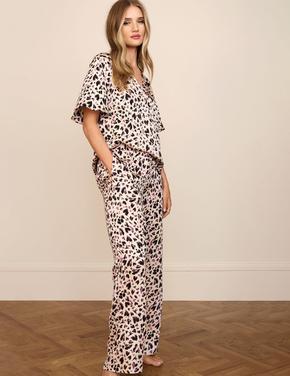 Kadın Pembe Saten Desenli Pijama Takımı