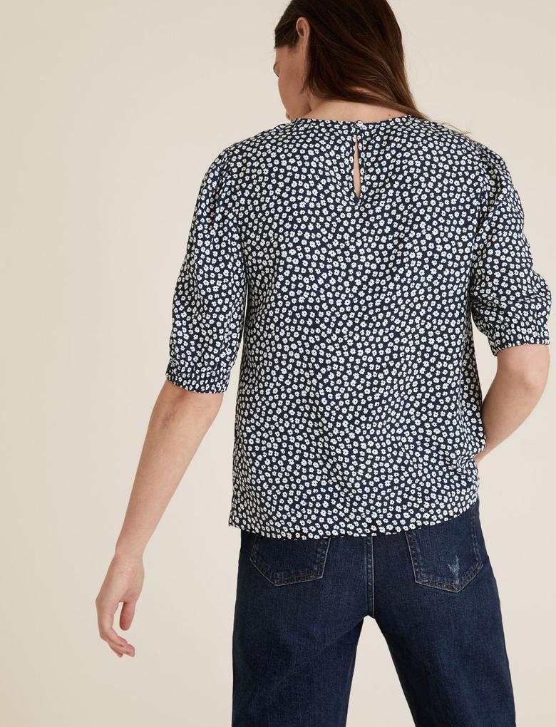 Kadın Siyah Küçük Çiçek Desenli Puf Kollu Bluz