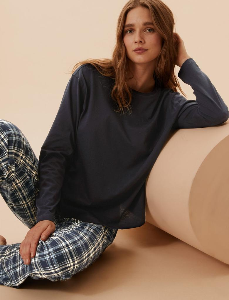 Kadın Lacivert Saf Pamuk Ekose Desenli Pijama Takımı
