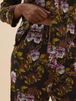 Kadın Siyah Çiçek Desenli Saten Pijama Takımı