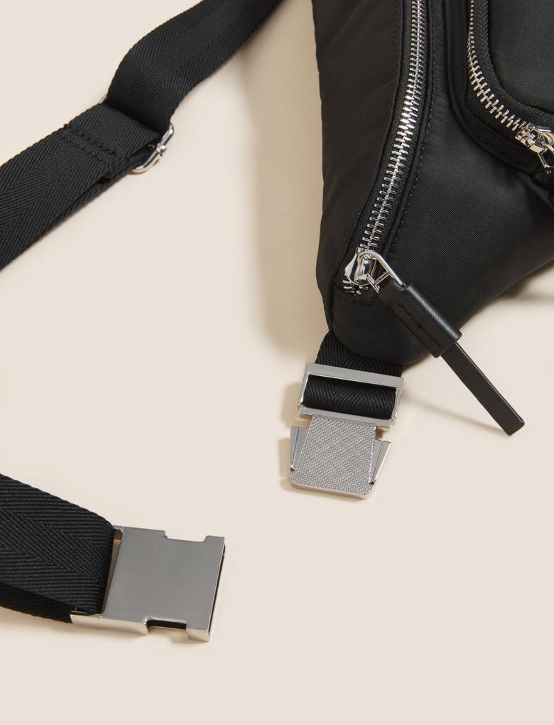 Kadın Siyah Fermuarlı Bel Çantası