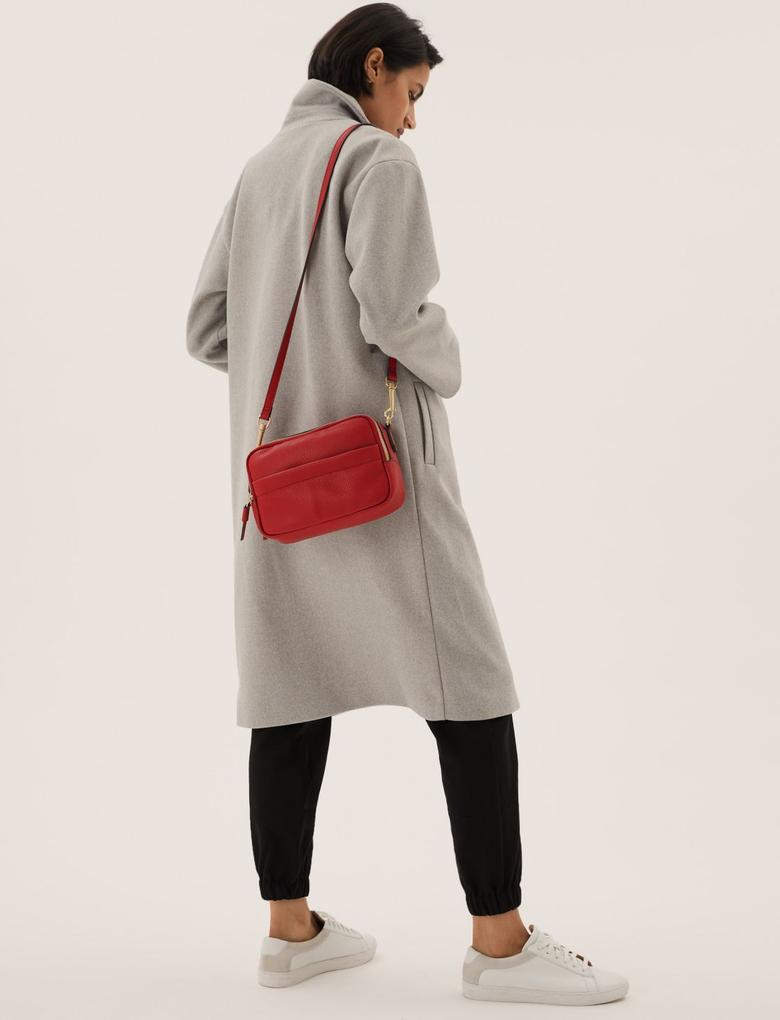 Kadın Kırmızı Suni Deri Görünümlü Çapraz Çanta