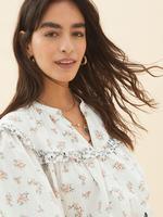 Kadın Krem Saf Pamuklu Çiçek Desenli V Yaka Bluz