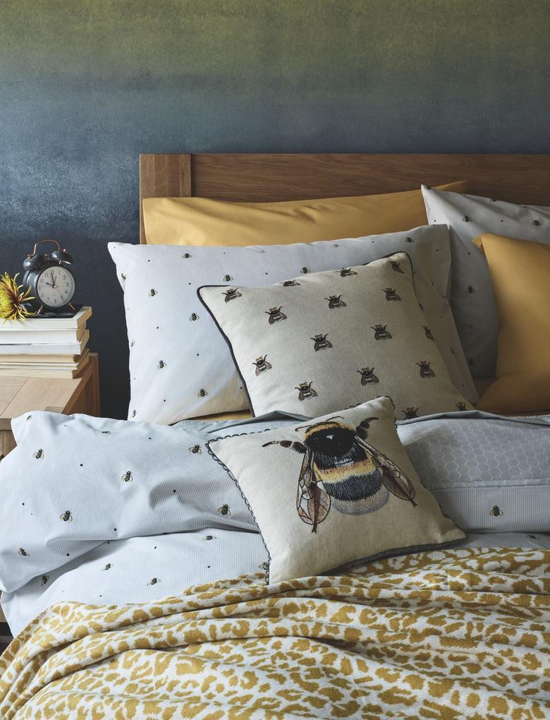 Ev Renksiz Arı İşlemeli Yastık